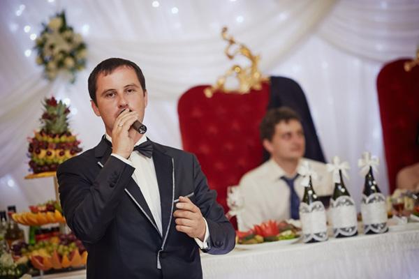 Выбираем ведущего на свадьбу