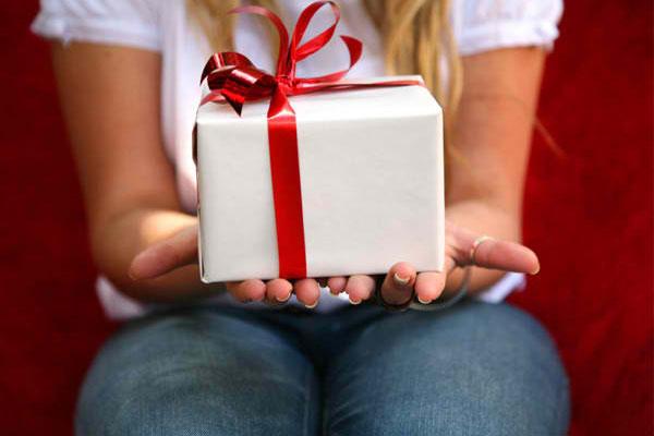 Если хочется сделать действительно оригинальный подарок, что выбрать?
