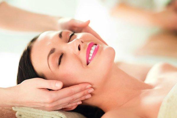 Новая косметическая процедура, помогающая возвратить летний загар