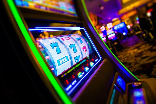 В какие игры в онлайн казино лучше всего играть