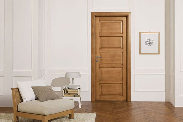 Строительные двери: основные достоинства