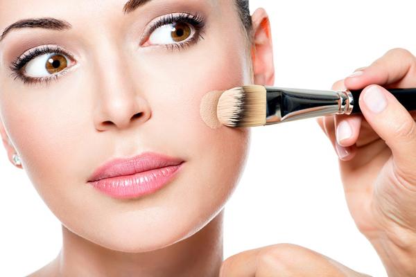 Хайлайтер – залог успешного макияжа